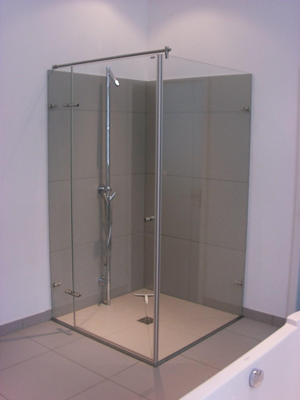 wedetherm glasduschen spiegel duschr ckw nde und badsanierung. Black Bedroom Furniture Sets. Home Design Ideas